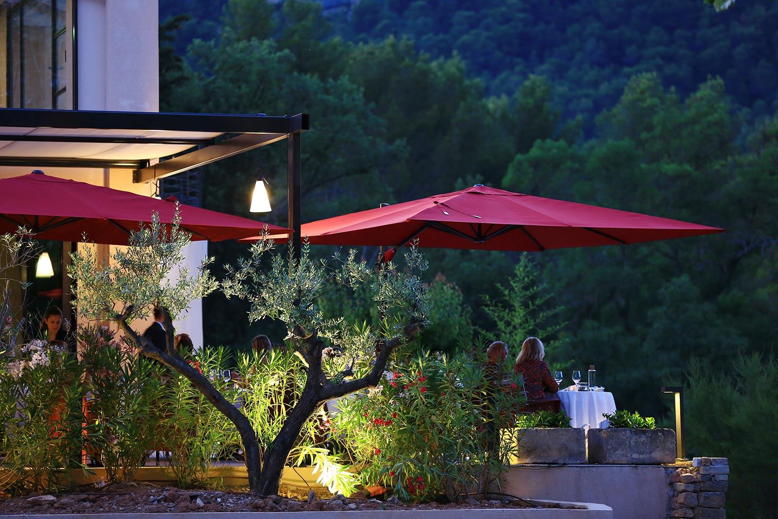 Provence wedding les lodges Saint-Victoire