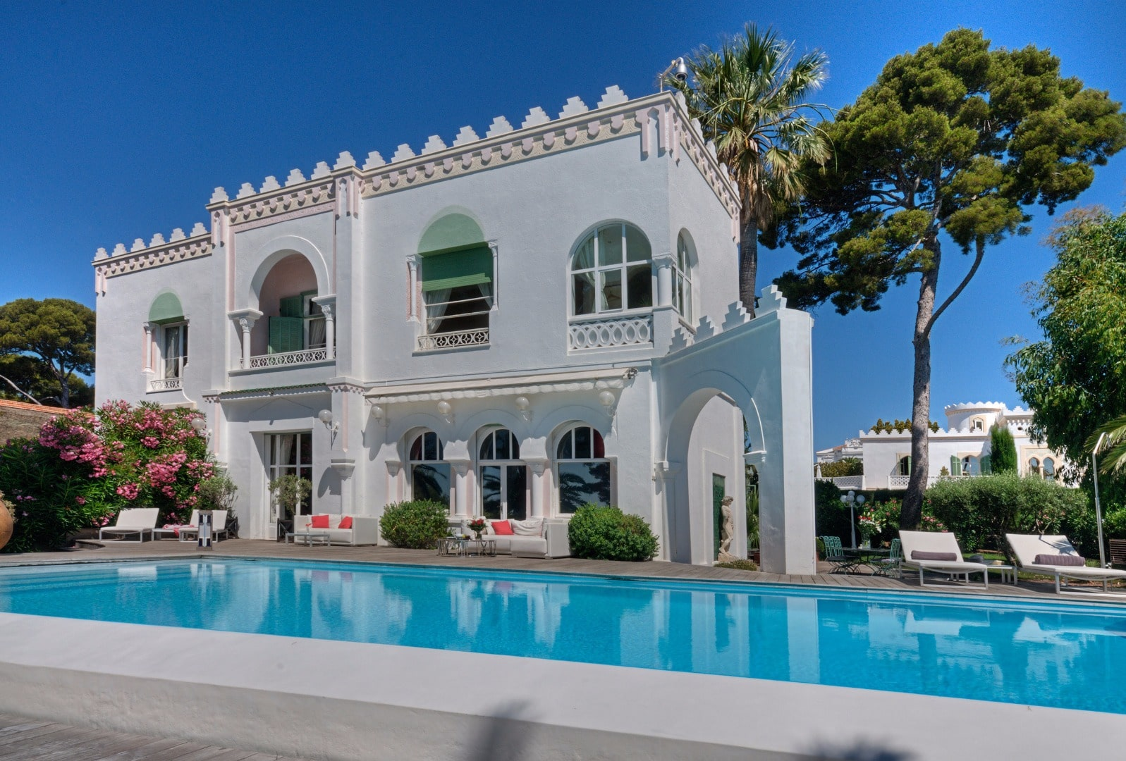 South of France weddings Villa Mauresque